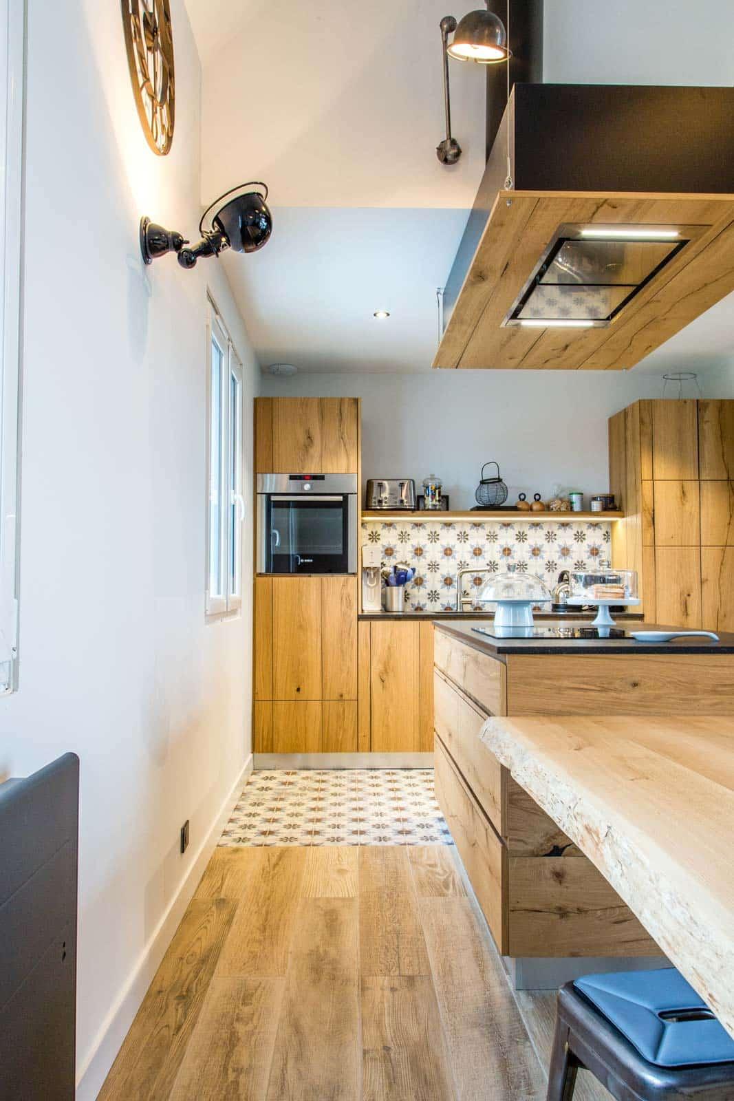 Une cuisine bois pour un loft sur la côte sauvage du Croisic